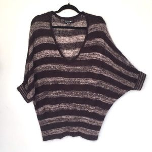 Forever 21 knit Top S Oversized soft stripes EUC